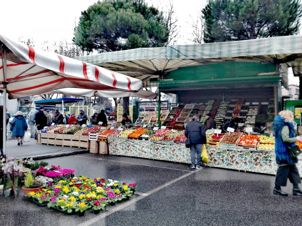 1702 mercato bergamo stadio (1)