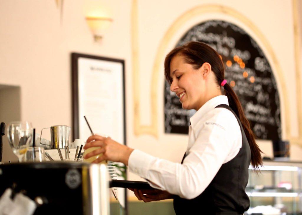 waitress-2376728
