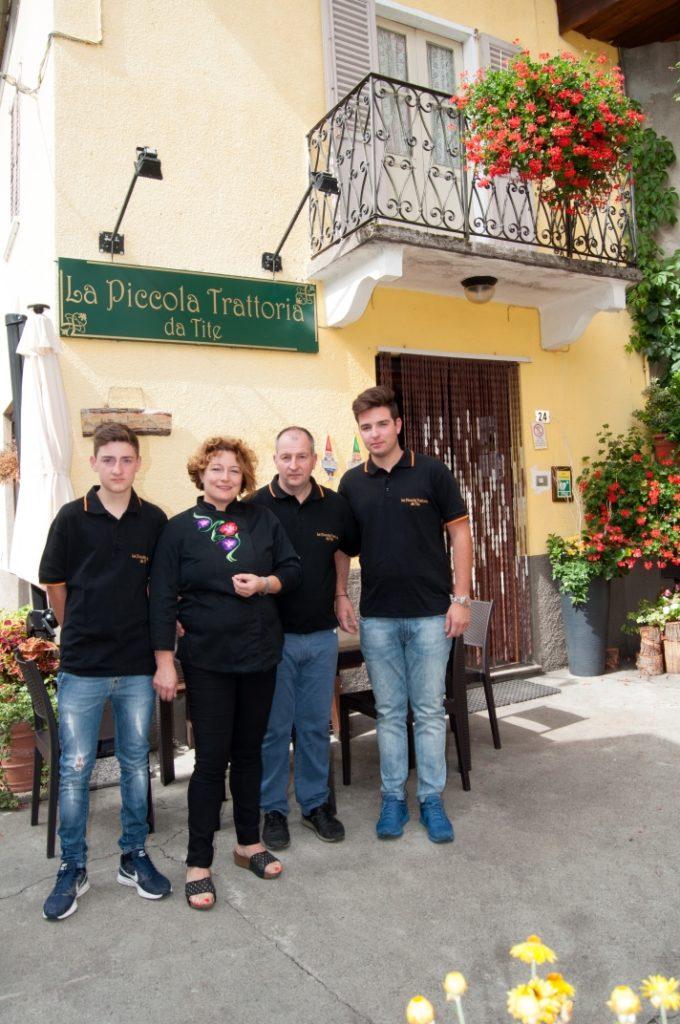 Silvia Invernizzi con il marito Luca Peroni e i figli Marco e Andrea