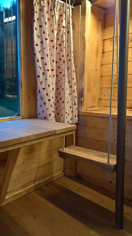 Selvino la cabina della funivia diventa alloggio e in for Animali domestici della cabina di nashville
