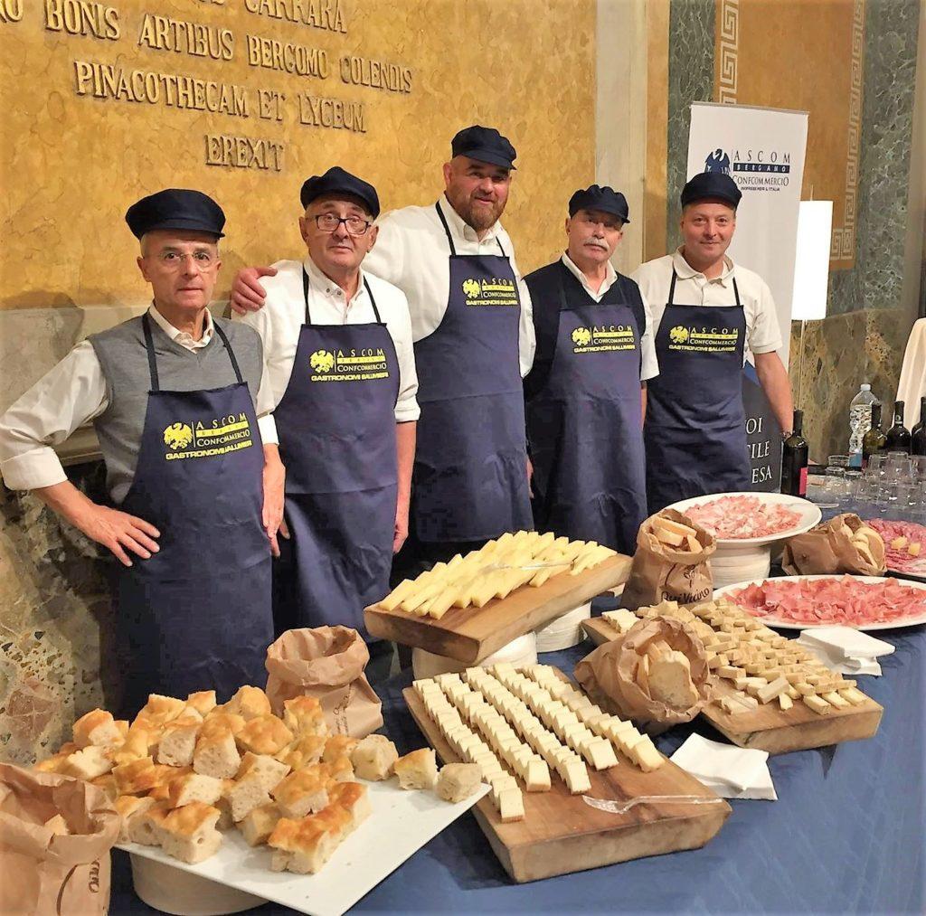 I salumieri Ascom ambasciatori dei prodotti tipici bergamaschi nel settembre scorso all'accademia Carrara