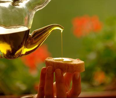Olio d'oliva, quattro incontri per conoscerlo e degustarlo