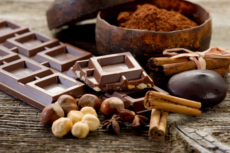 Dossena omaggia il cioccolato