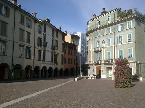 piazza pontida 2
