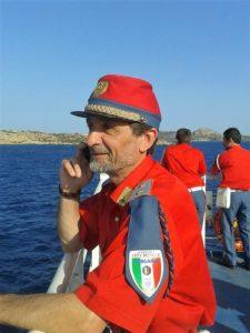 Fabio Morzenti, proprietario della fucina è anche il direttore della Fanfara Storica Città dei Mille di Bergamo. Qui è ritratto corso della trasferta appena conclusa all'isola della Maddalena, in occasione dei festeggiamenti per Garibaldi