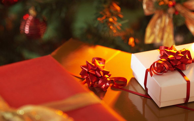 Regali di Natale, il 62% non rinuncia allo shopping, spesa media di 174 euro