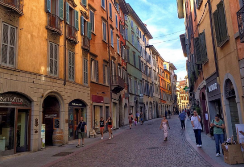 Distretto di Bergamo, contributi a fondo perduto per rilanciare le attività del terziario