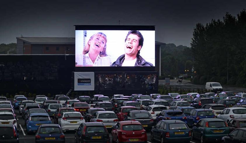 Cinema, ad Albino arriva il Drive In. I film si guardano seduti in auto
