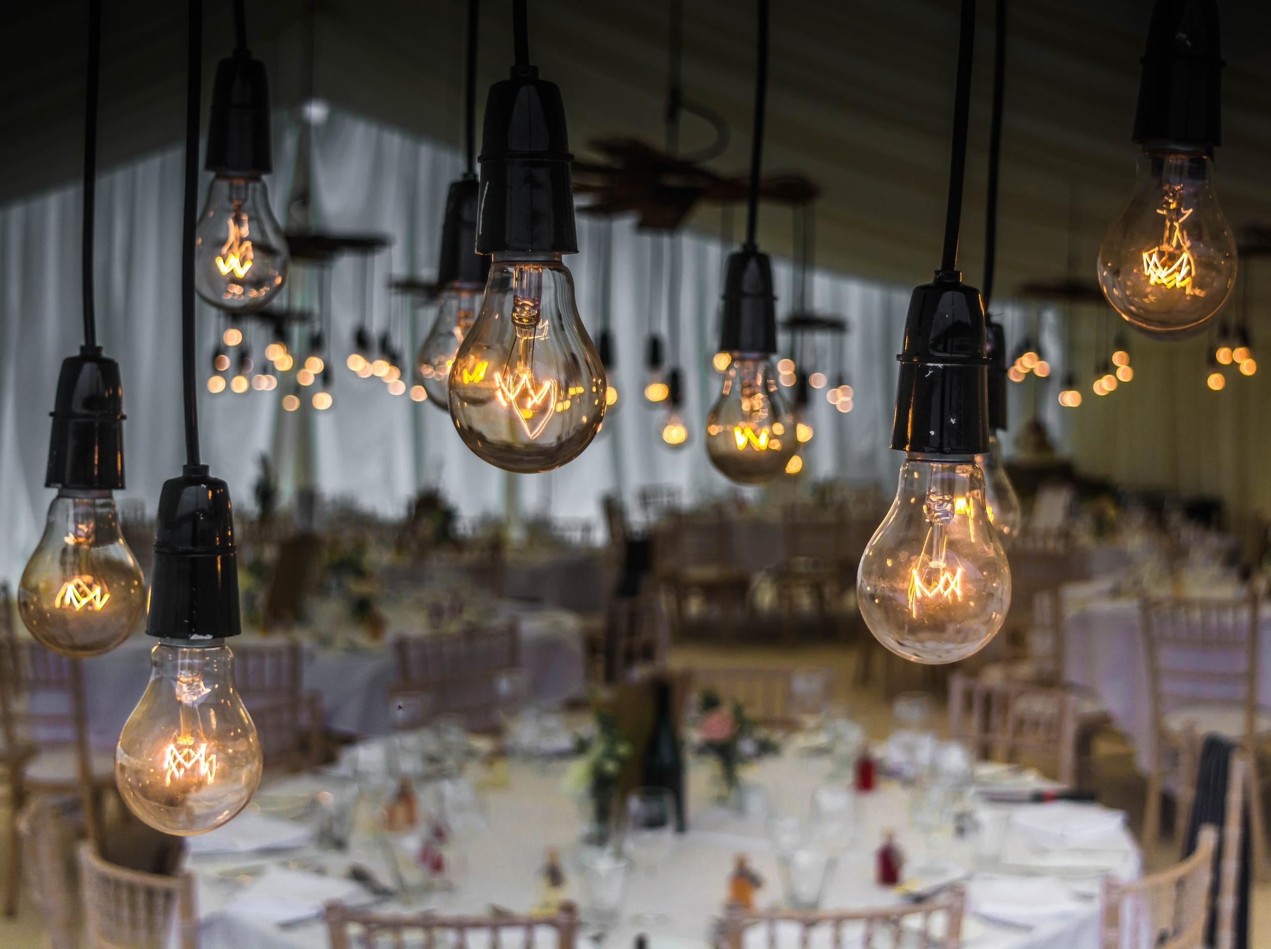 Illuminazione con lascom locali e negozi più belli e risparmiosi