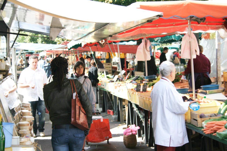 """Venerdì 9 aprile la protesta degli ambulanti non alimentari. """"Niente vendita chiediamo solo di riaprire"""""""