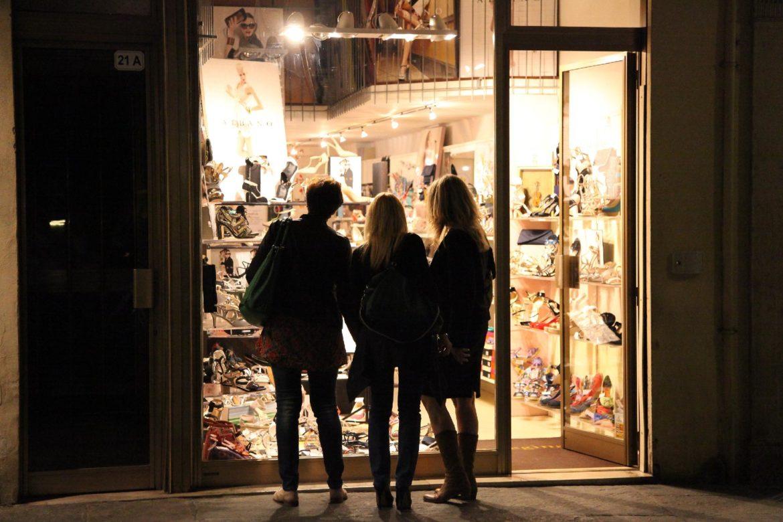 Gandino inaugura lo shopping di sera