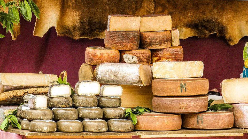 Storie di formaggi, in Ascom l'esperto di Filosofia del cibo