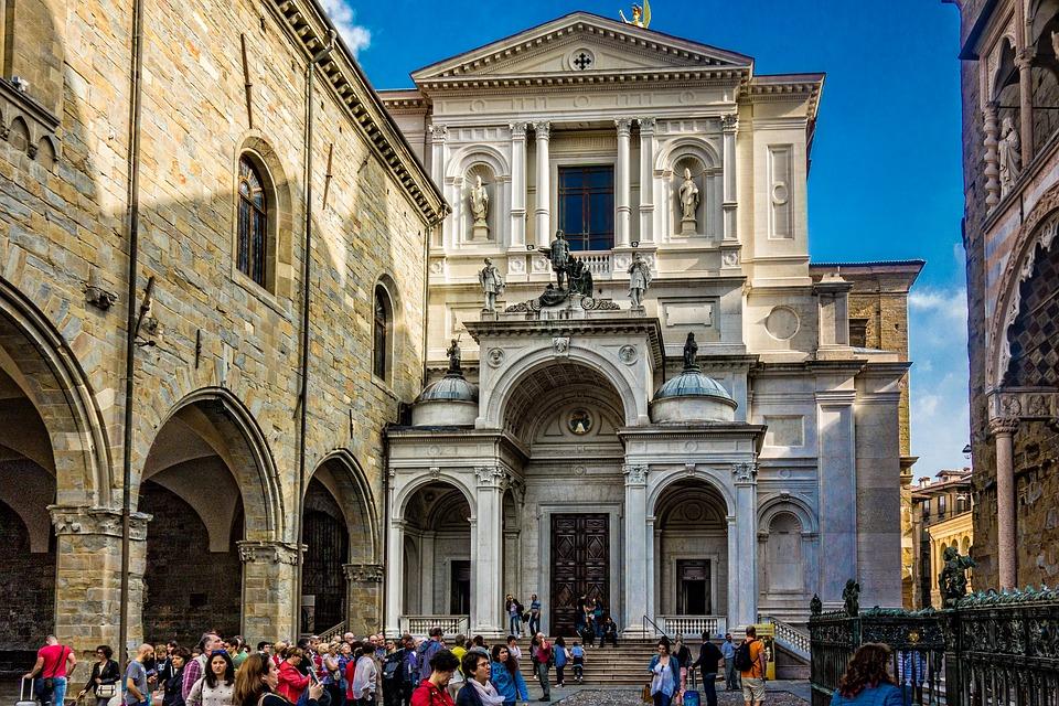 A Bergamo record di turisti stranieri, sono oltre un milione