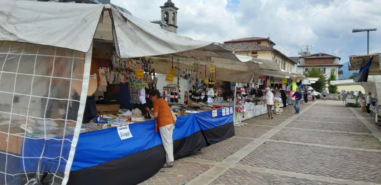 Anche il mercato di Clusone tifa Atalanta