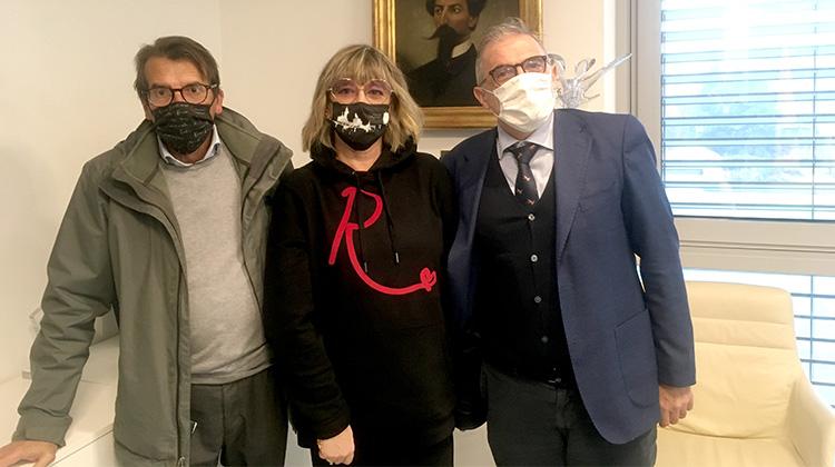 """Con Affari di Gola le mascherine """"Rinascerò, Rinascerai"""" a sostegno dell'ospedale di Bergamo"""