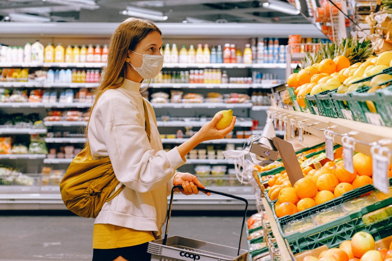 Commercio al dettaglio in rosso Resistono l'alimentare e la Gdo