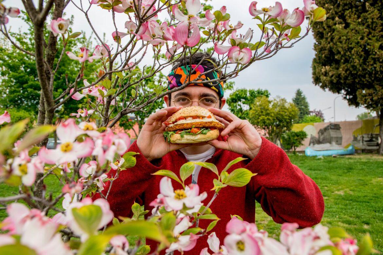 All'Edonè c'è l'International Hamburger Day Una maratona di 10 ore tra super panini e dj set